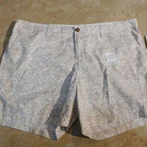 "Old Navy Tan Print Cotton Twill 5"" Length Shorts"